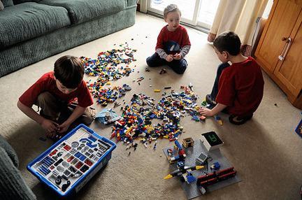 """Как сделать из """"Лего"""" базу - основу для дальнейших построек"""
