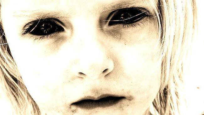 Черные глаза: как сделать их для улучшения фото или придания картинке мистического эффекта