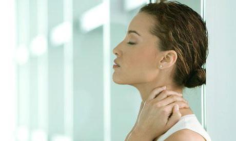 как расслаблять мышцы шеи и плеч