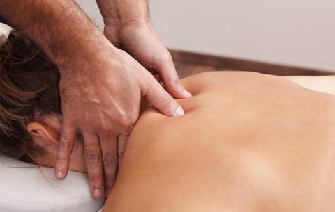 Можно ли делать массаж при шейном остеохондрозе