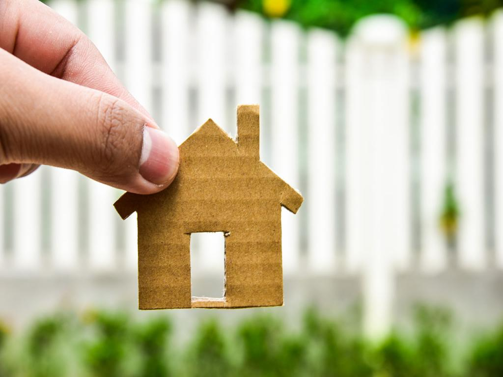 The emergence of ownership of real estate