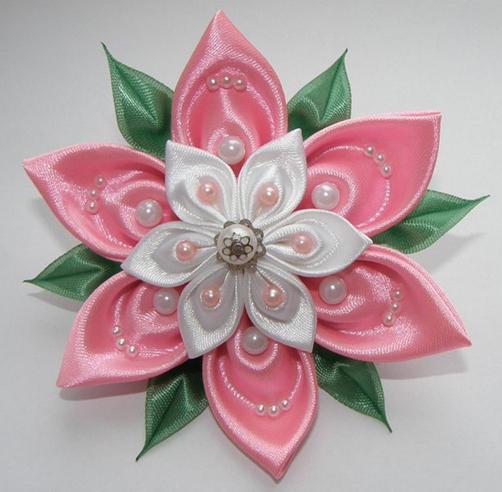 мастер класс цветки из атласной ленты