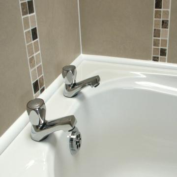 Уголок для ванны пластиковый самоклеющийся