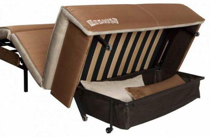 диван с механизмом аккордеон на металлокаркасе
