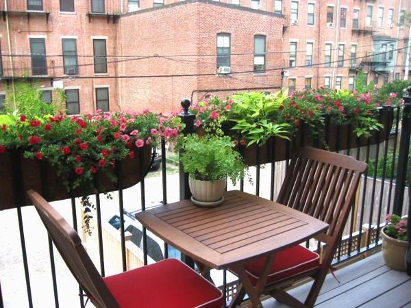оформление балкона в стиле прованс