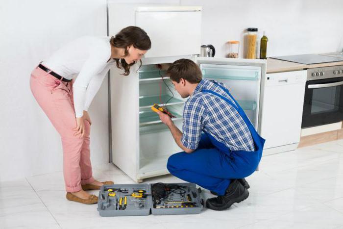 почему начал гудеть холодильник