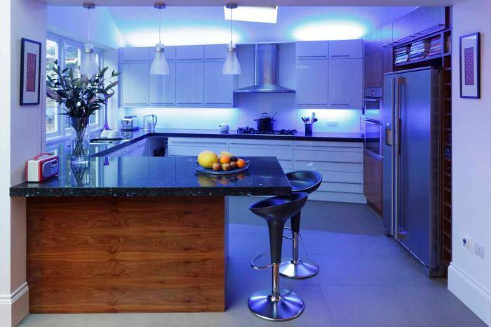 Beleuchtung der Arbeitsfläche in der Küche