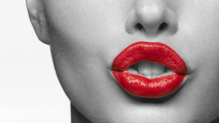 Как ровно накрасить губы
