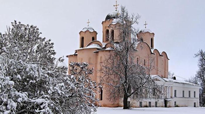 Николо-Дворищенский собор архитектурные особенности