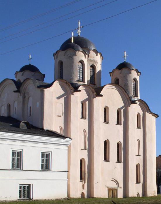 Николо-Дворищенский собор кратко