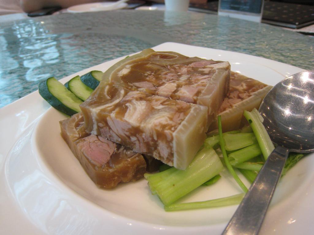 Холодец из свиных ножек и говядины: рецепт
