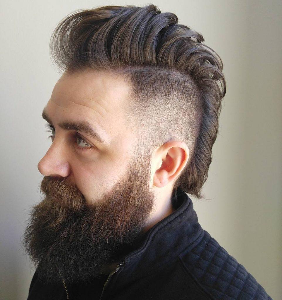 """Прическа """"Ирокез"""" на средние волосы"""
