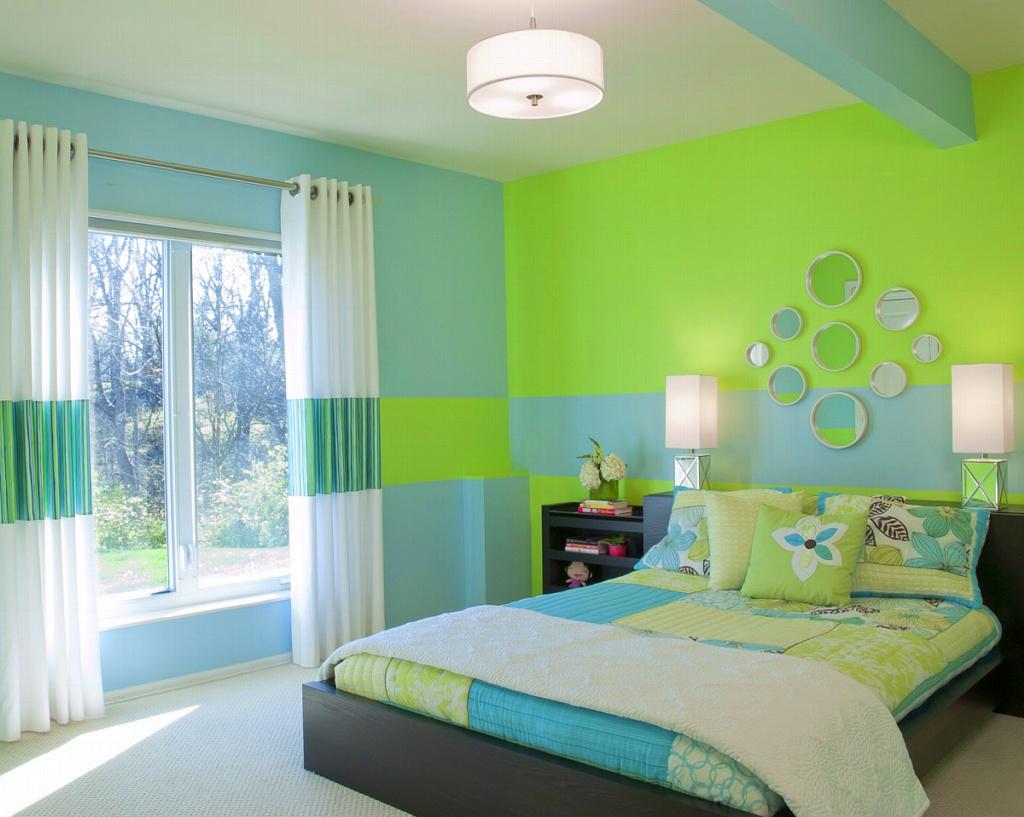 Сон все выкрашено светло зеленого цвета