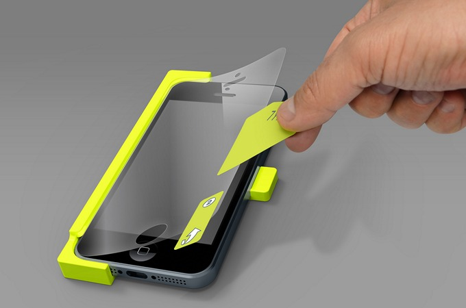 Как убрать воздух из-под защитного стекла на телефоне?