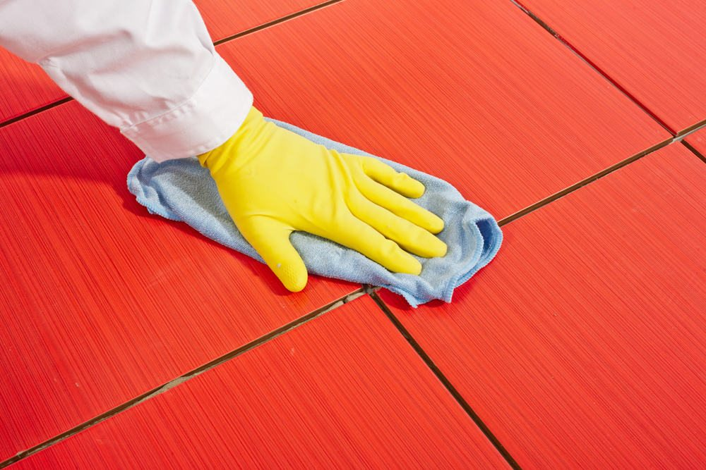 how to wash silicone from the tile