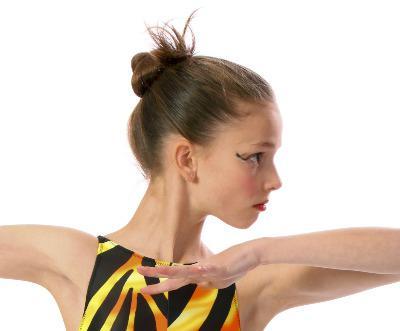 прически для спортивно бальных танцев