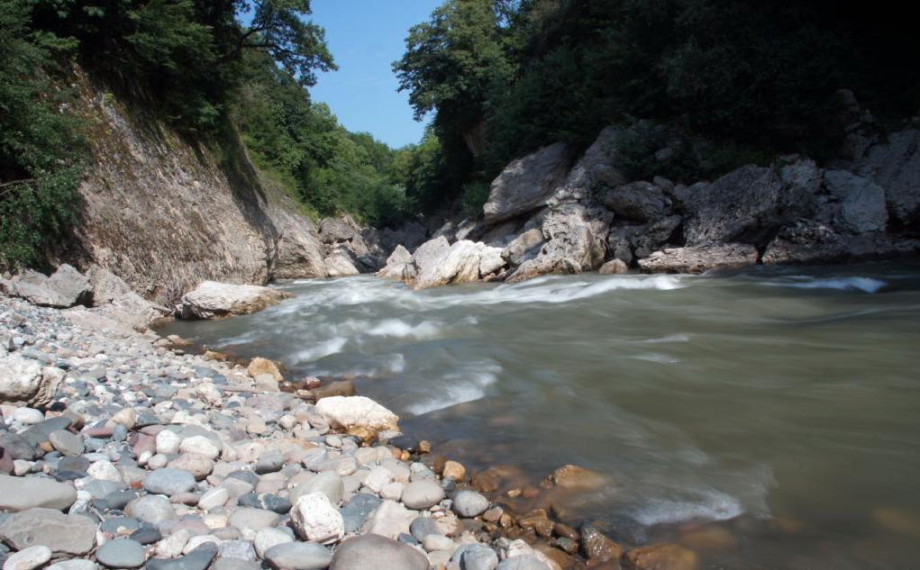 Каменномостский, отдых: адреса, варианты проживания и условия