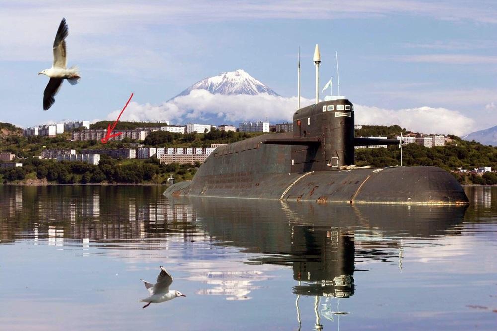Подводные лодки у причала