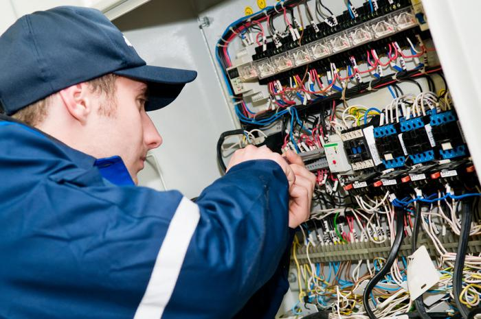 должностная инструкция электрика участка - фото 10