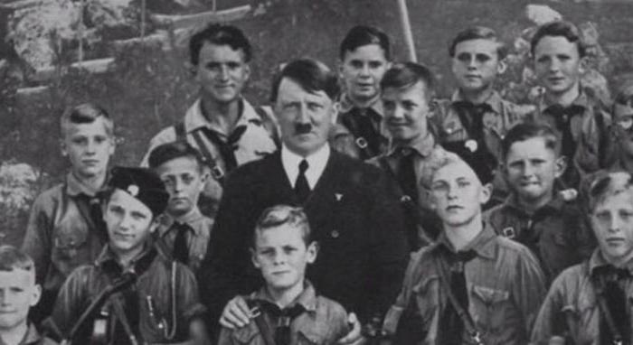 Чем отличались солдаты вермахта от солдат СС