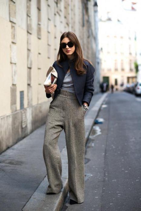 что носить с серыми брюками