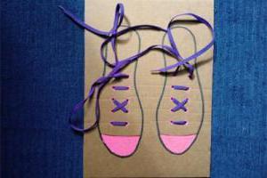 как завязать шнурки ребенку