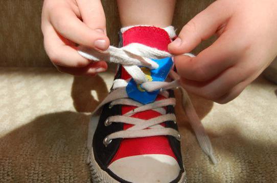 Как обучить малыша завязывать шнурки различными методами без…