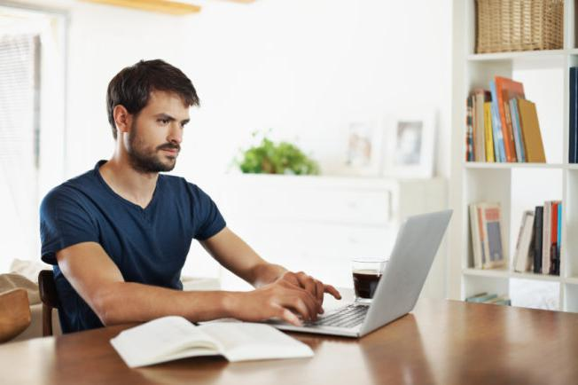сколько зарабатывает блоггер на ютубе