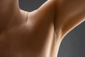 Нужно ли мужчинам брить подмышки