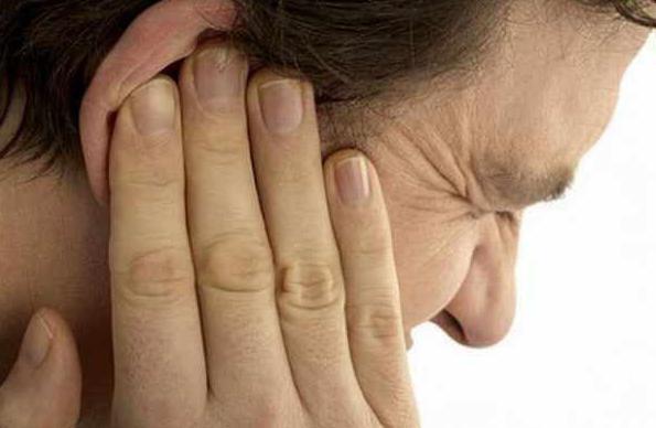 болит ухо после ныряния