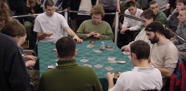 Что такое драфт в коллекционных карточных играх?