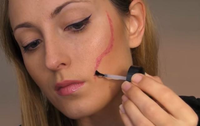 Как сделать шрам на лице косметикой