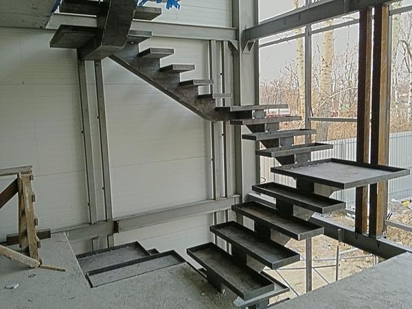 Винтовая лестница своими руками - из металла 29