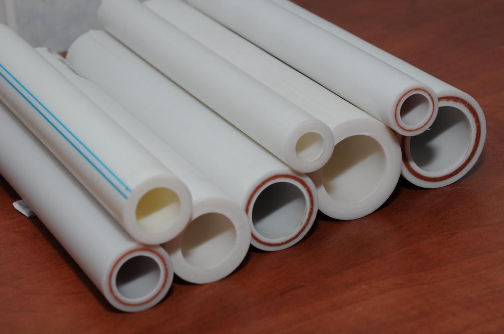 Система трубопровода в тепличных конструкциях