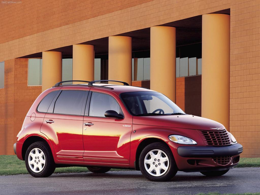 Красный Chrysler PT Cruiser