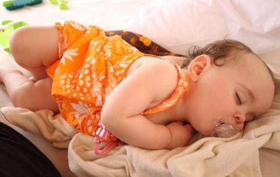 грудничок спит на животе комаровский