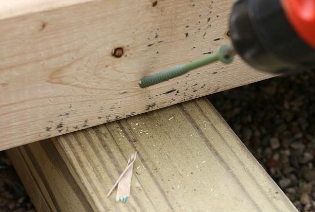 деревянный настил на даче