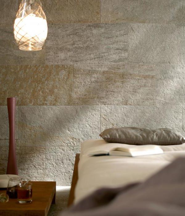 декоративной штукатуркой стены под камень