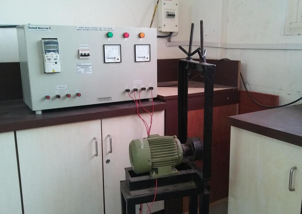 Машина-генератор переменного тока