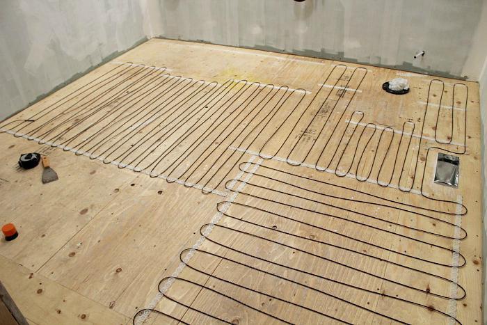 как правильно сделать теплый пол в бане