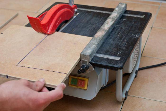 Как пользоваться плиткорезом