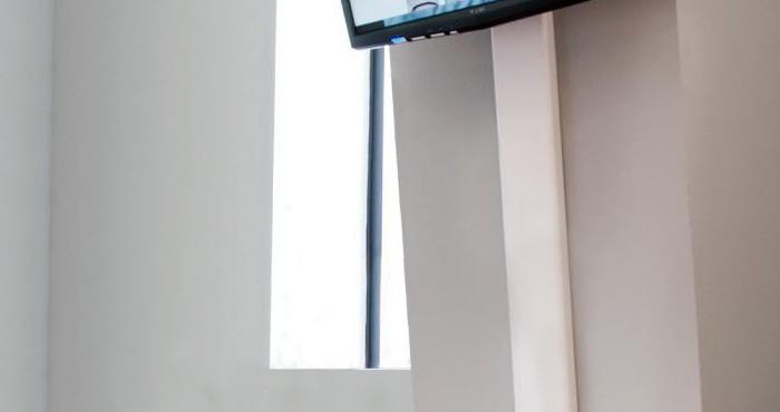 телевизор на стене как спрятать провода в интерьере