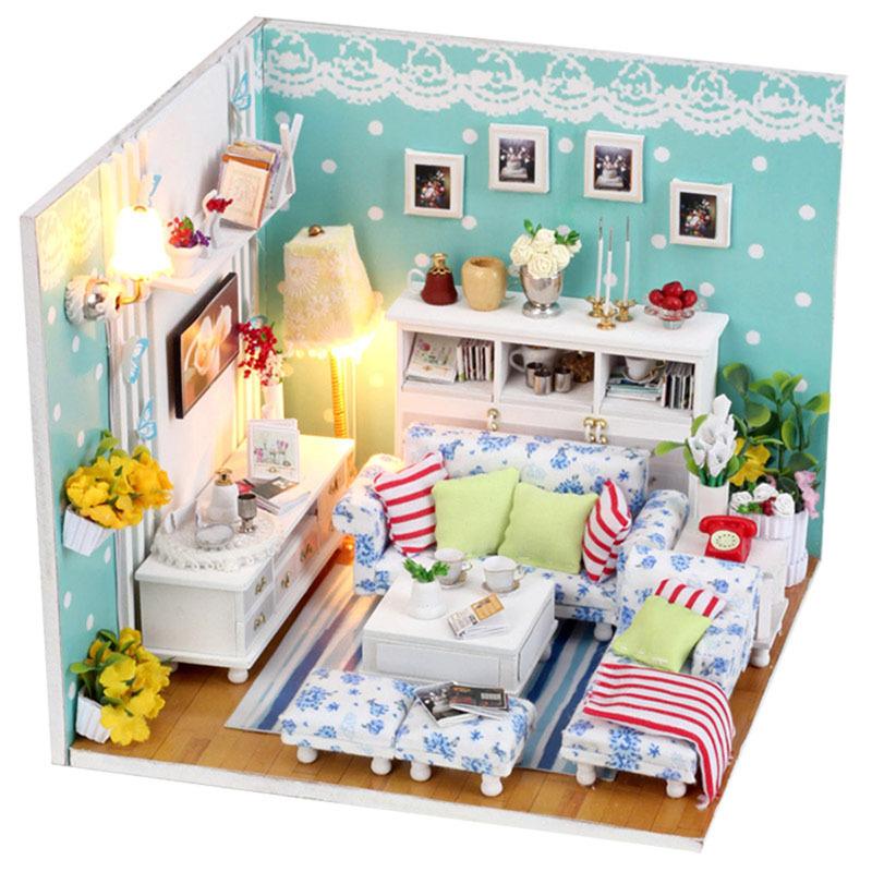 do-it-yourself mini-houses made of cardboard