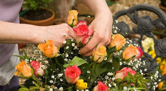 живые цветы в вакууме цена