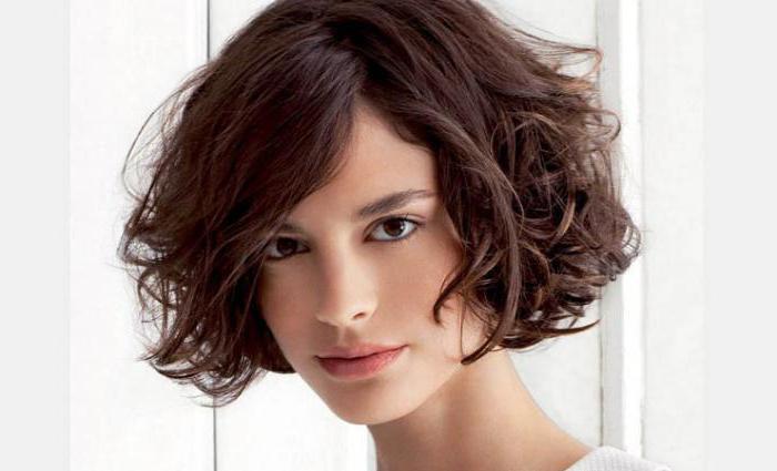стрижки на средние пушистые волосы