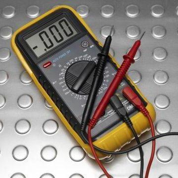 Можно ли мультиметром измерить емкость аккумулятора