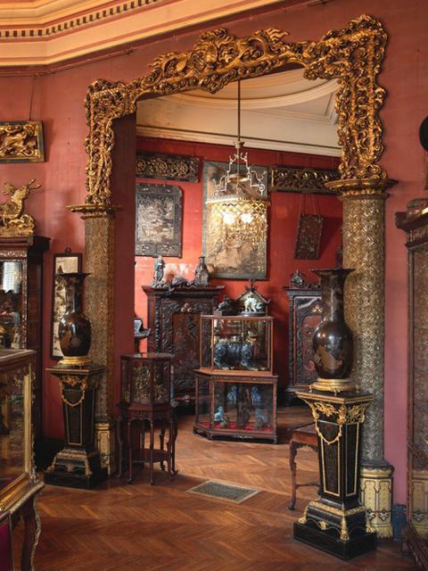 Мебель в гостиной в стиле ампир