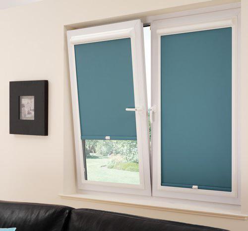 Монтаж рулонных штор на пластиковые окна
