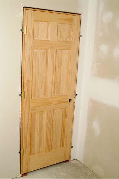 Как вставить межкомнатную дверь