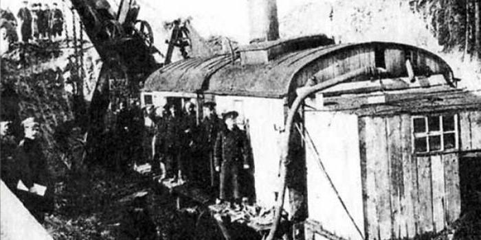 Какого числа День железнодорожных войск